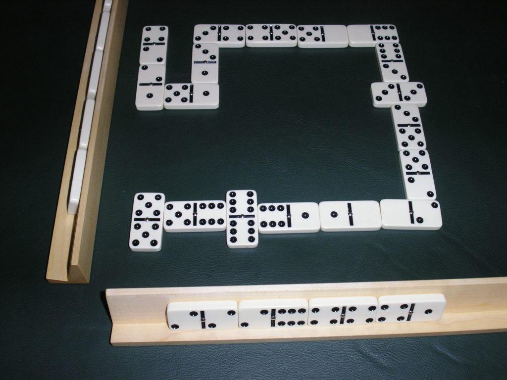 reglas del dominó: partida